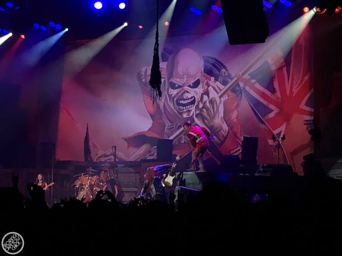 Iron Maiden - Live in Cape Town - Boring Cape Town Chick - 21