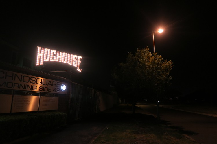 hog-house-review-boring-cape-town-chick-51